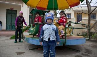 une aire de jeux pour les enfants au Vietnam
