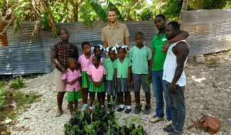 Ma vie d'expat'- un enfant par la main