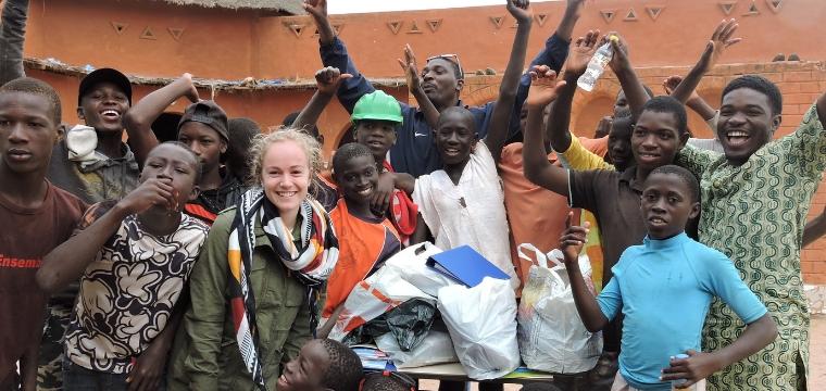 """Léa, """"reporter""""pour Un Enfant par la Main raconte le voyage des parrains au Sénégal"""