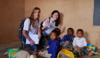 Marine, et Johanne de retour d'une mission à Madagascar