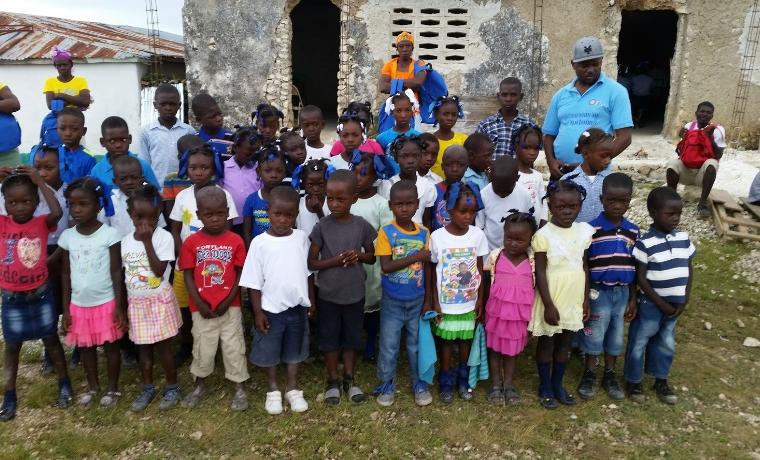Haïti : Construire des toilettes pour l'école Barbe