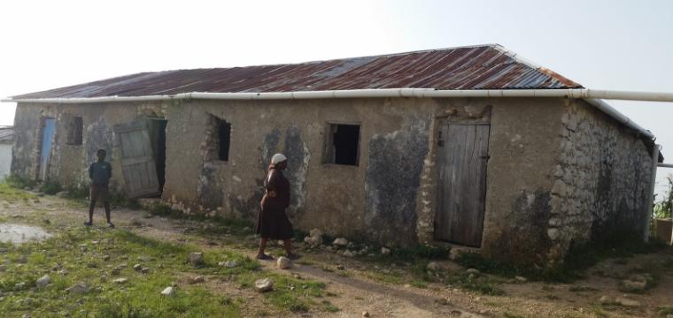Construire des toilettes pour l'école Barbe