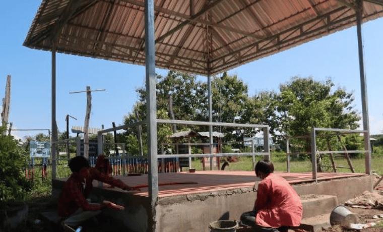 Un kiosque de lecture pour les élèves de l'école de Boeng Kieb au Cambodge