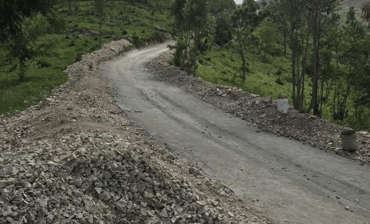 Des nouvelles de la construction d'une piste rurale pour les familles de la Chaîne des Matheux en Haïti