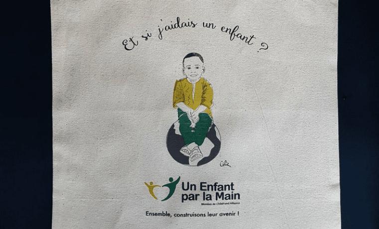 Soutenez Un Enfant par la Main en achetant de l'artisanat solidaire