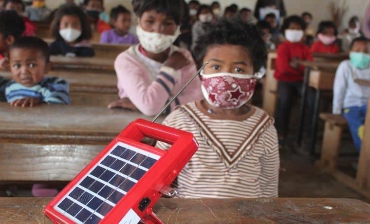 Un kit solaire pour mieux apprendre à Madagascar
