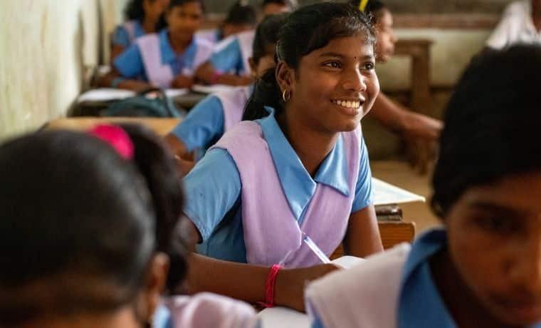 Une bourse d'étude et un vélo pour continuer sa scolarité en Inde