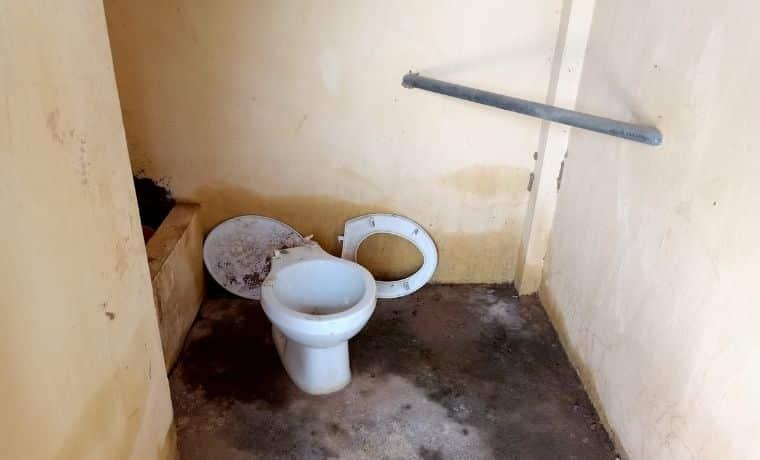 Cambodge: de nouveaux sanitaires pour les écoles du district de Kampong Trabaek