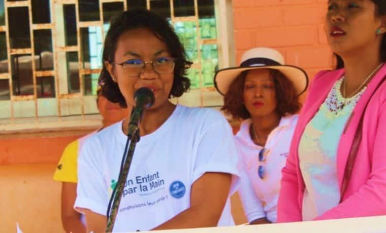 Un kit scolaire pour apprendre aux enfants de Madagascar