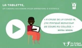 Une tablette numérique pour continuer l'apprentissage des enfants au Sénégal